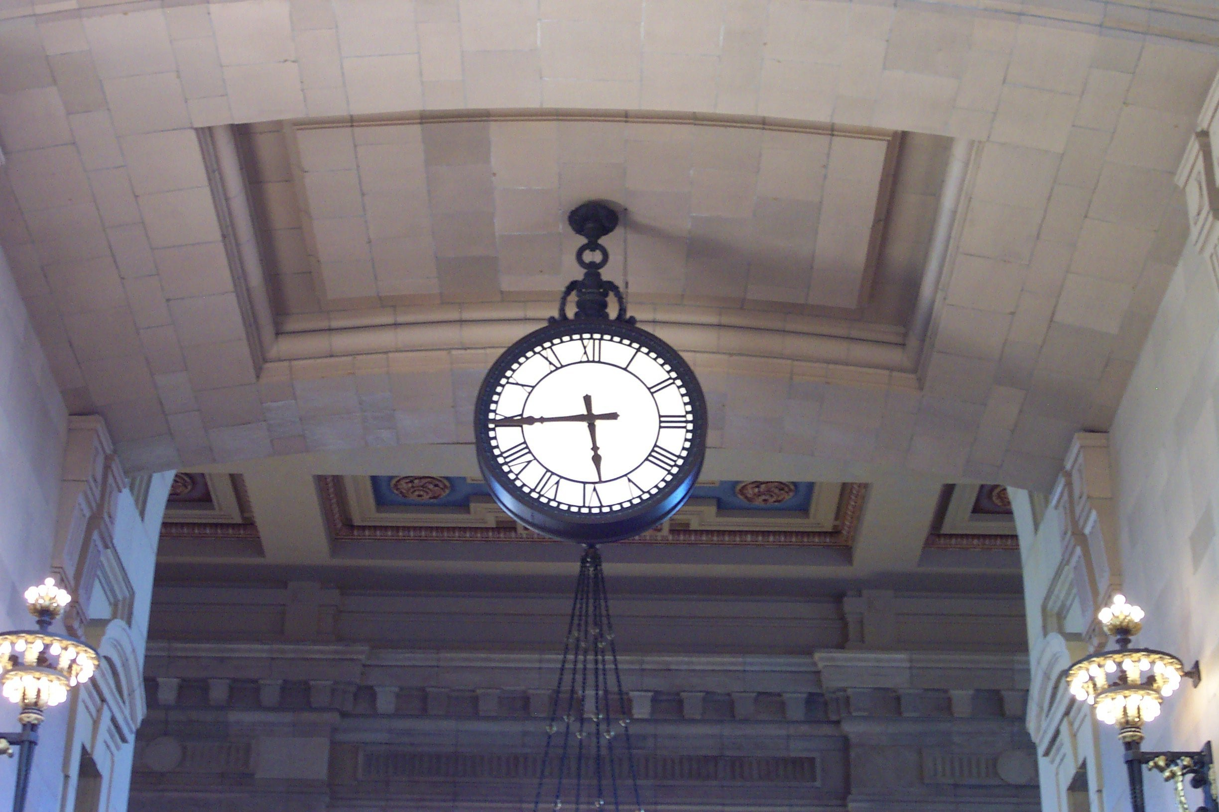 Re-installation of Double-sided Union Station Clock